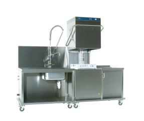 Haubenspülmaschine mit Vorspülbecken und Abstelltisch
